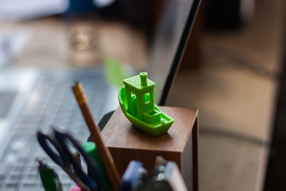 3D Printing for FPV Lime 3D Benchy Bokeh Closeup Desktop Workbench