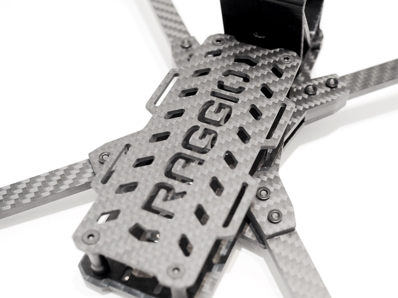 Raggio Lungo Falcon Multirotors Carbon Fiber Frame Arm Brace TPU 3D Printed GoPro Mount Wedge Buttoned Up