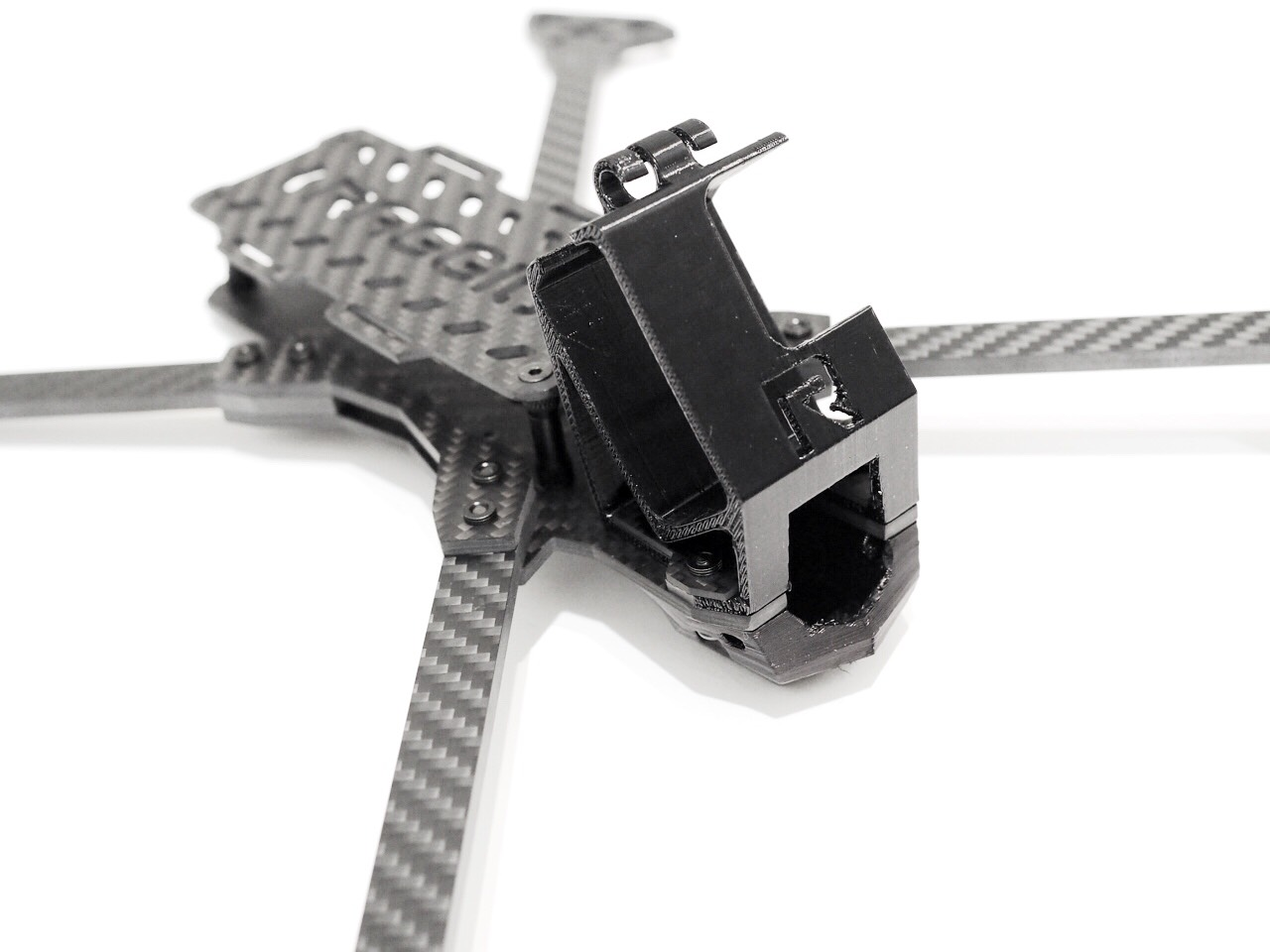 Raggio Lungo Falcon Multirotors Carbon Fiber Frame Arm Brace TPU 3D Printed GoPro Mount Wedge Front On Different Perspective Hero 6